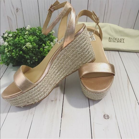315dfafcffe Badgley Mischka rose gold espadrille sandals sz 9 NWT